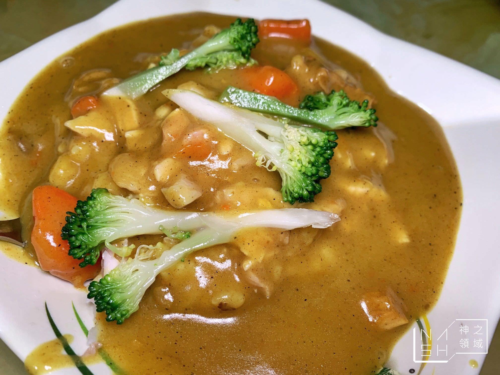 嘉義雞肉飯推薦 阿明火雞肉飯 咖哩雞肉飯跟雞肉飯都是招牌 (菜單價錢)