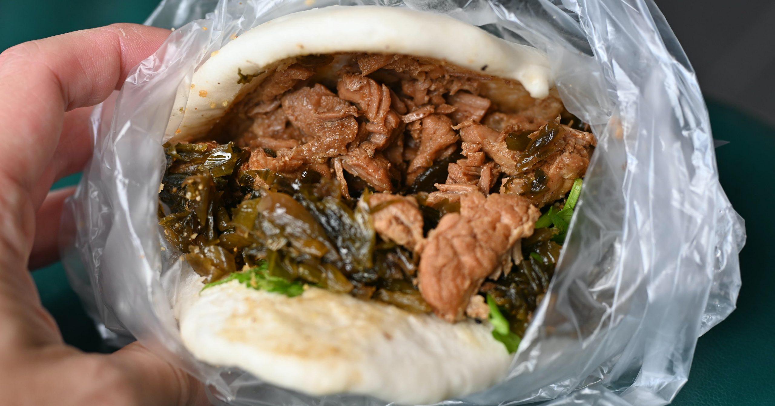 今日熱門文章:【松山美食】松山割包,松山版的藍家割包(菜單)