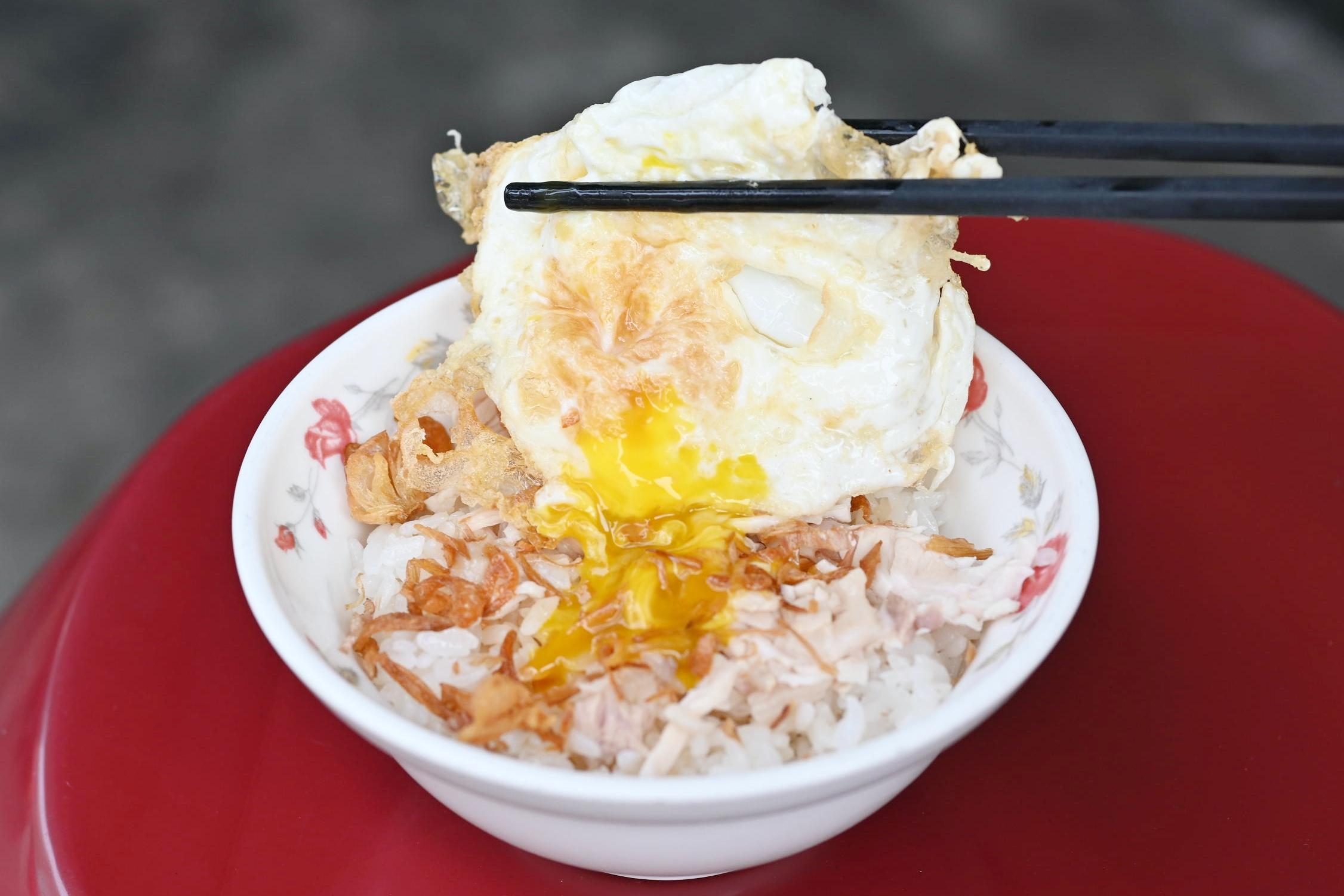 今日熱門文章:【嘉義火雞肉飯推薦】嘉義公園火雞肉飯,油蔥系雞肉飯要搬家了