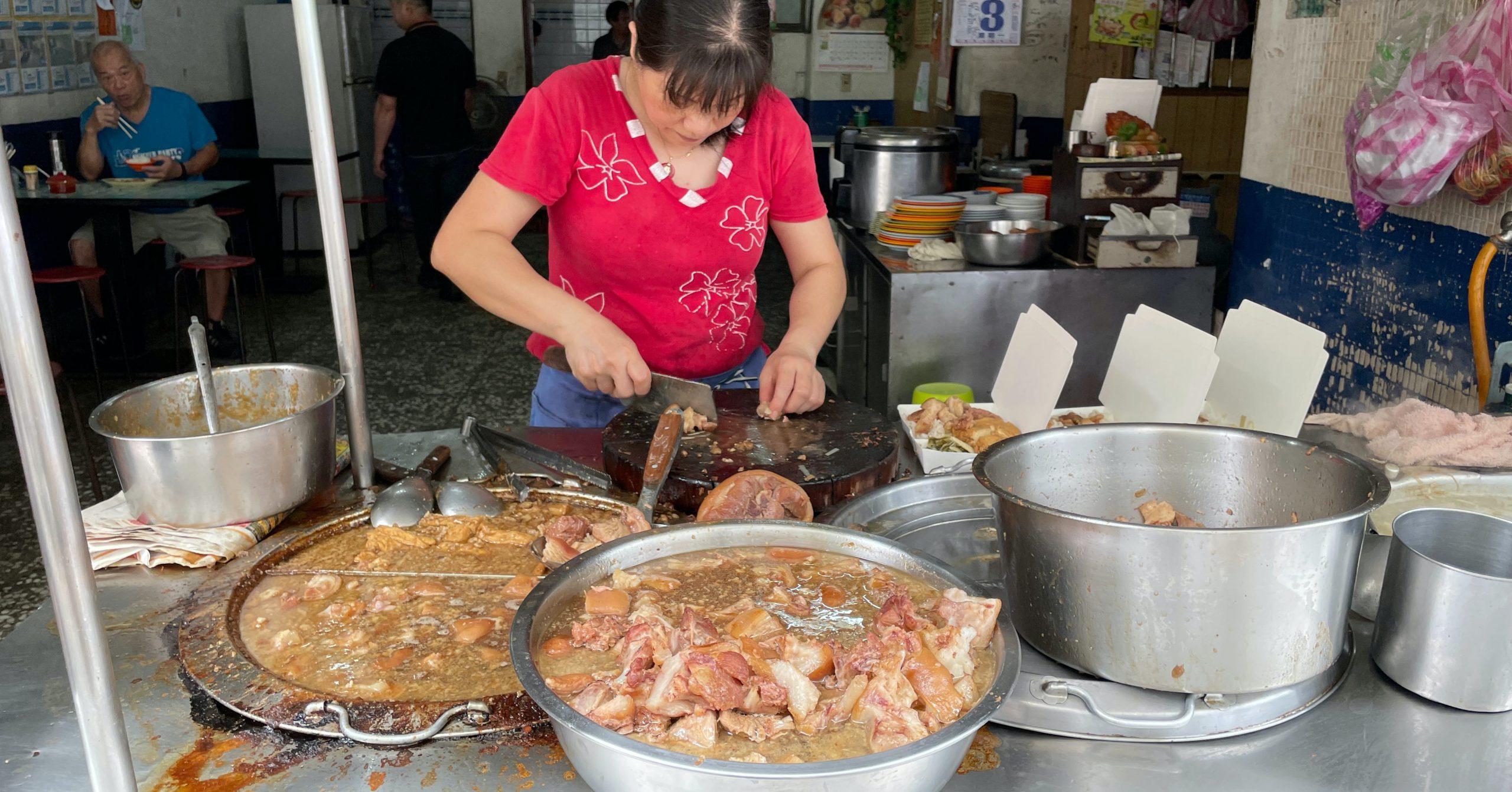 即時熱門文章:【三重美食】阿發豬腳,台北橋站超人氣三重豬腳推薦
